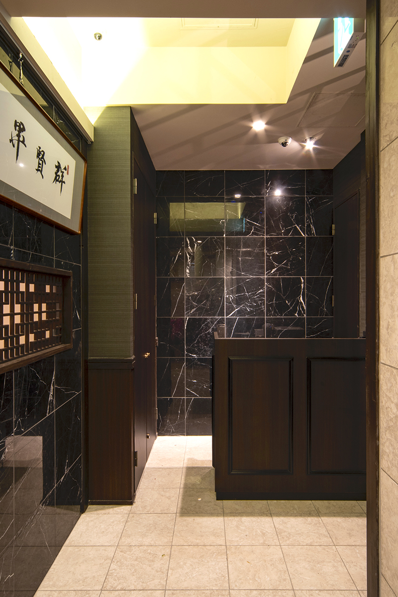 老上海 福岡天神店 玄関